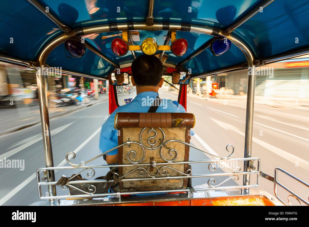 Tailandia, Bangkok, tuk-tuk de taxi Imagen De Stock