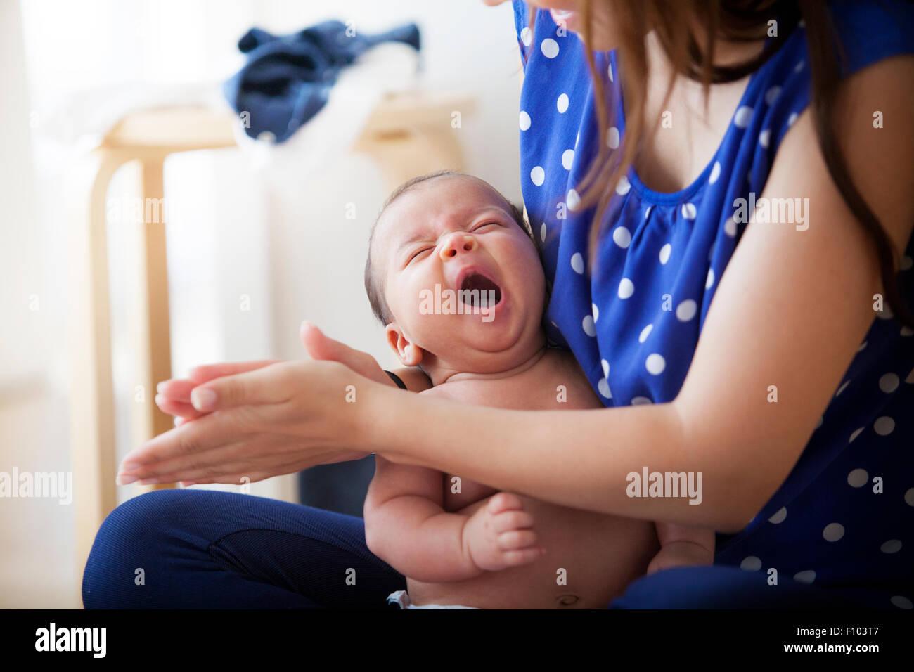Recibiendo el masaje infantil Foto de stock