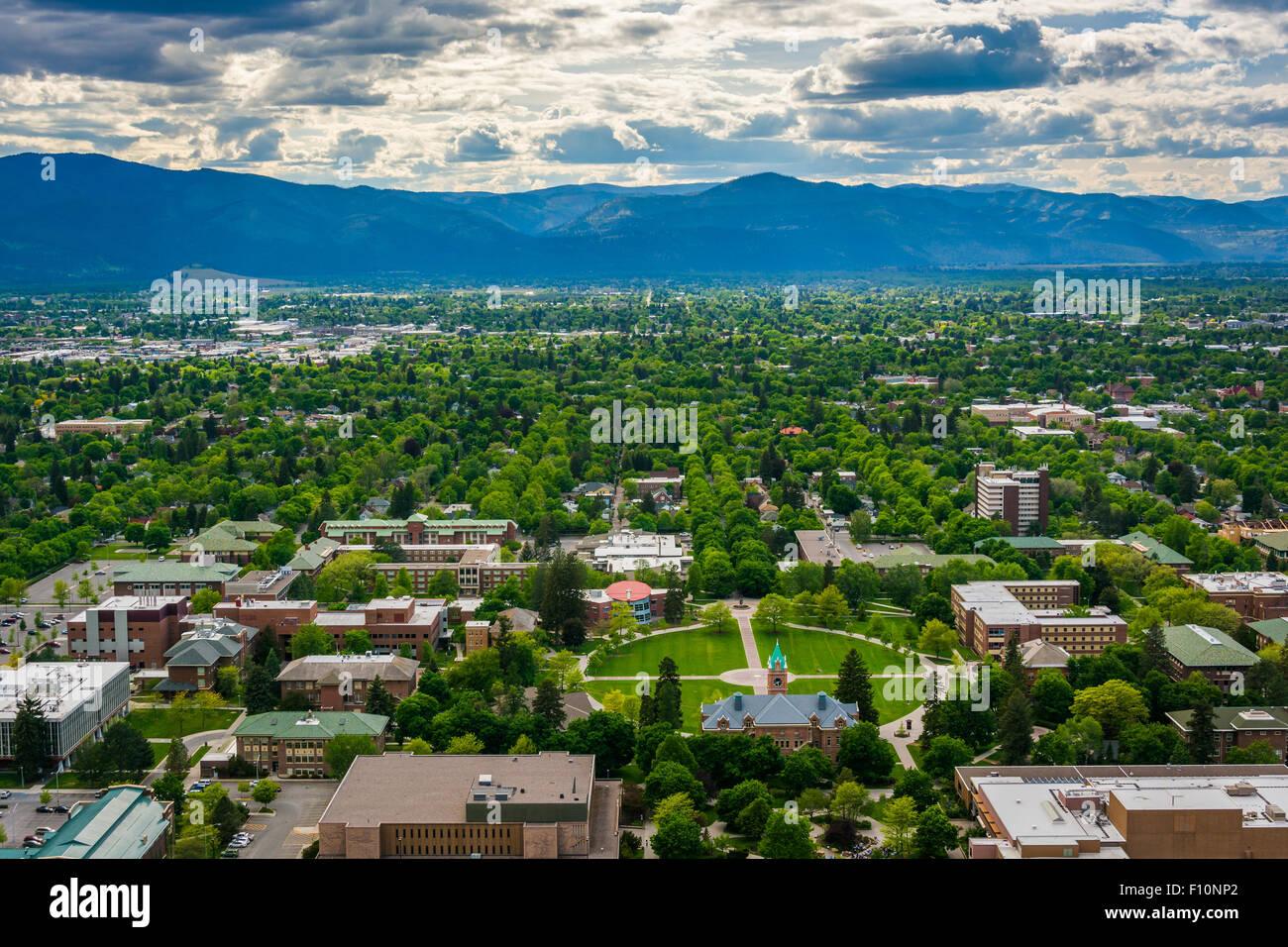Vista de la Universidad de Montana desde el cerro Centinela, en Missoula, Montana. Imagen De Stock