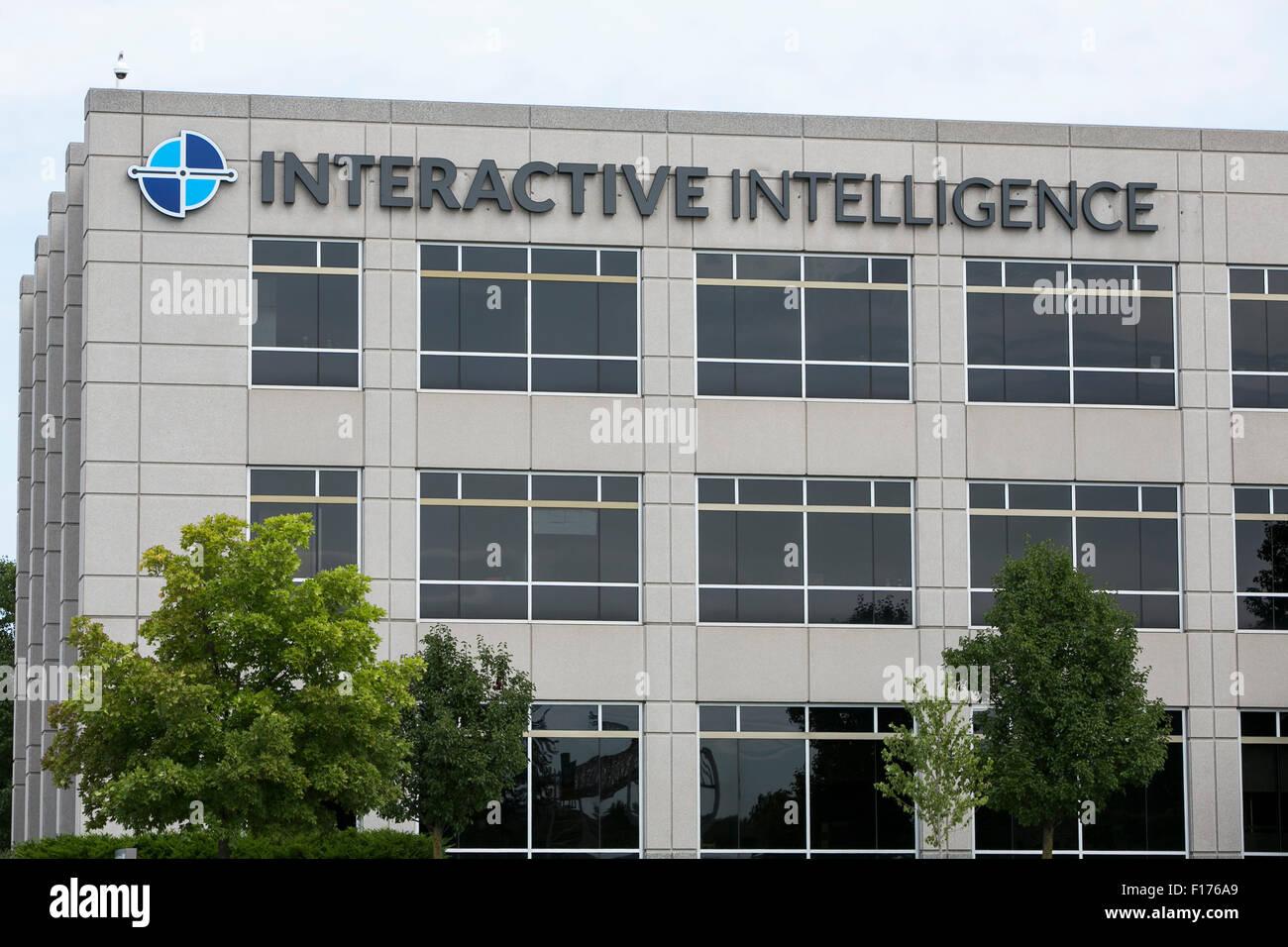 Un logotipo firmar fuera de la sede de Interactive Intelligence, Inc., en Indianápolis, Indiana, el 15 de agosto Imagen De Stock