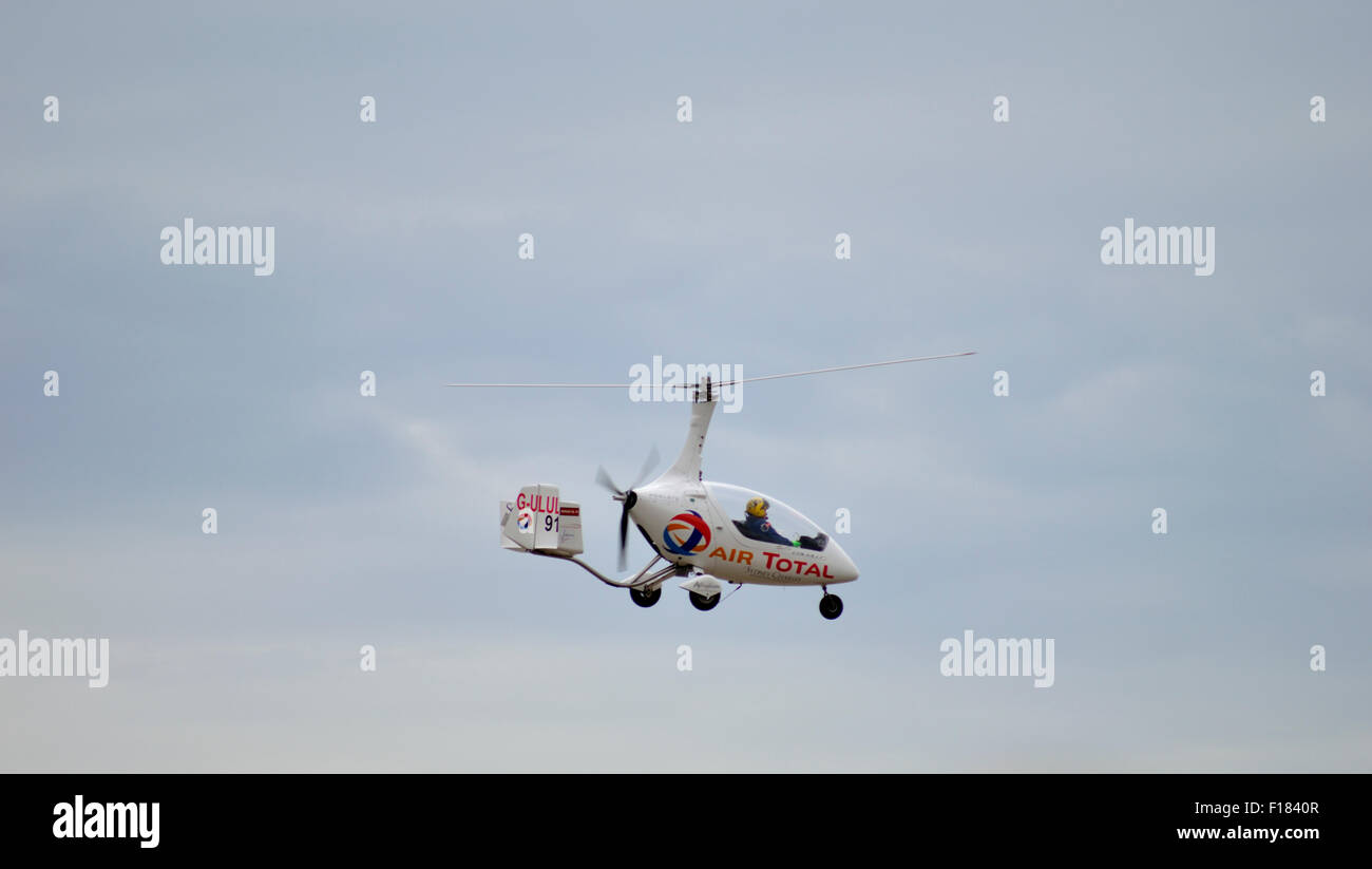 Giro automático volando al Clacton on Mar airshow. Imagen De Stock