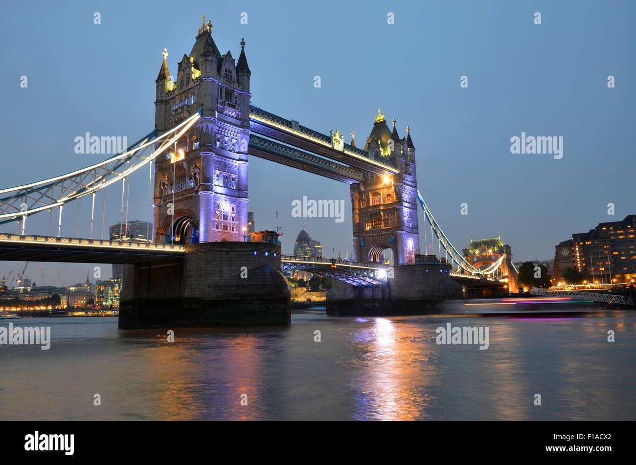 Tower Bridge, Londres, Reino Unido, Gran Bretaña Imagen De Stock