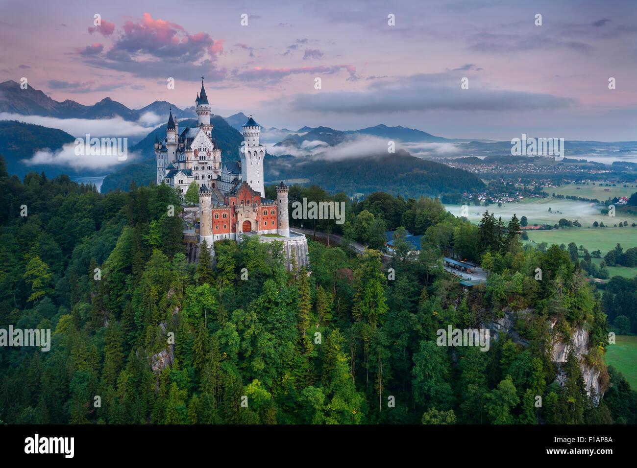 El castillo de Neuschwanstein, Alemania. Imagen De Stock