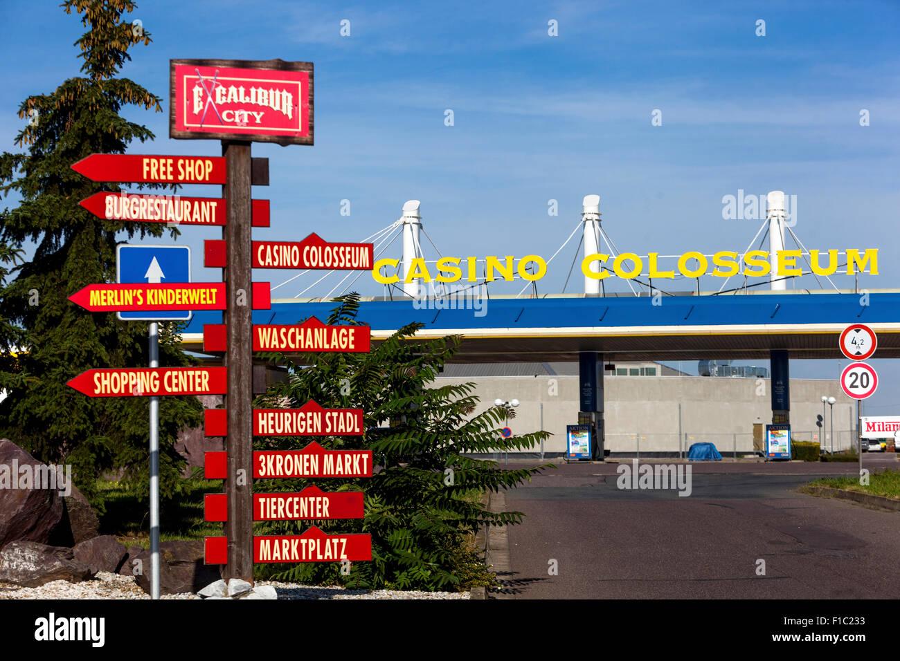 Centro comercial y de ocio de la ciudad de Excalibur de odio, cerca de Znojmo, República Checa y Austria fronteras Imagen De Stock