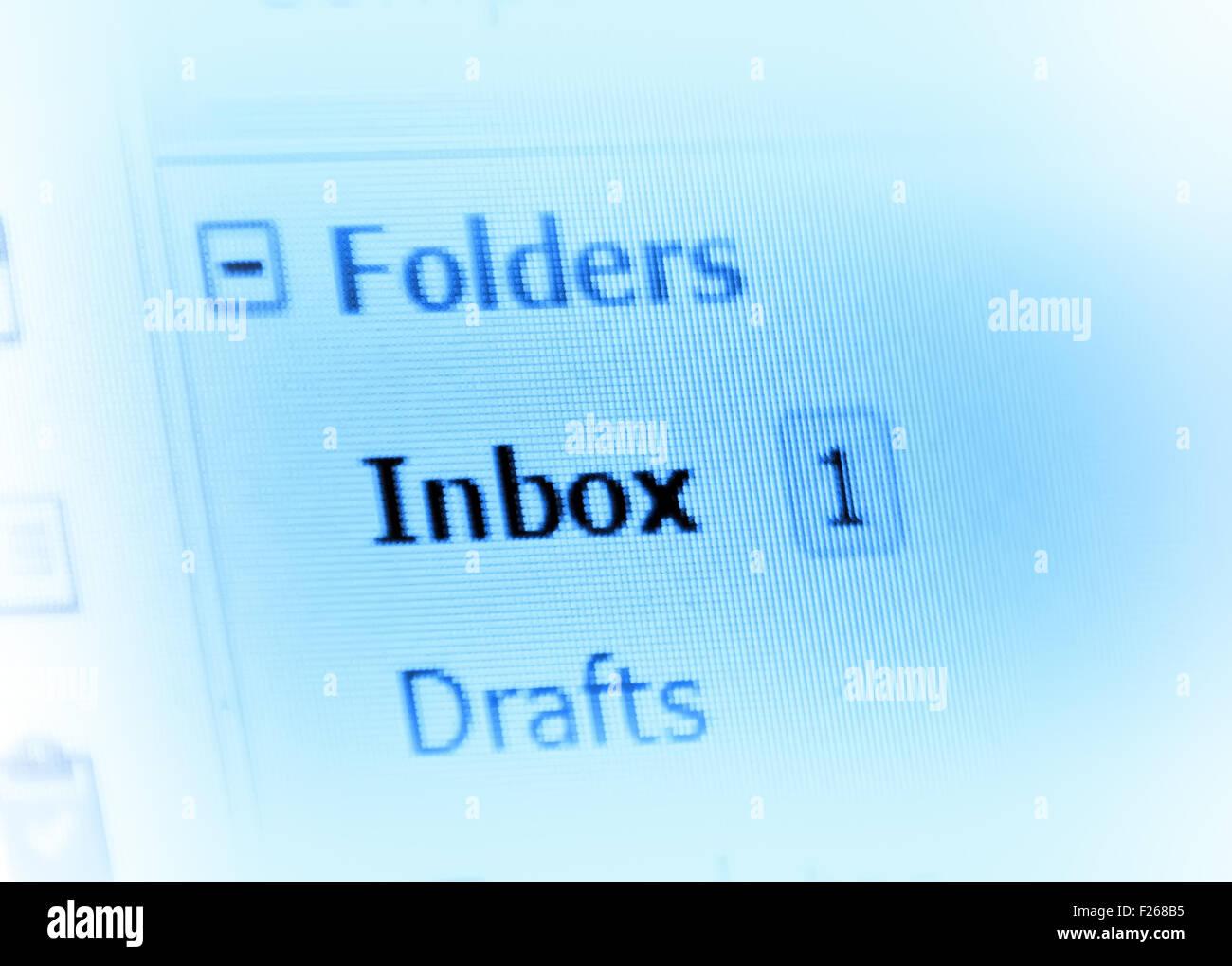 Bandeja de entrada de correo electrónico en la pantalla del monitor Imagen De Stock