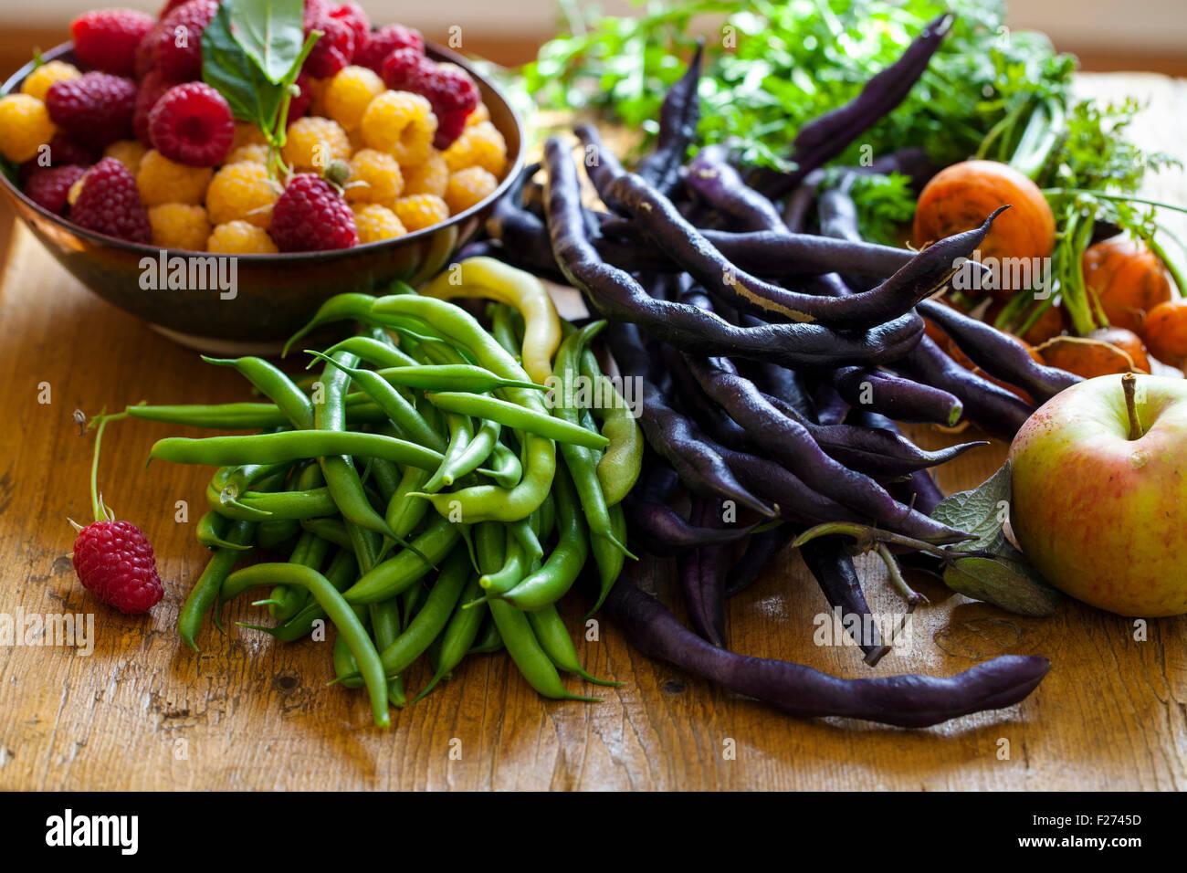 Selección de frutas y hortalizas Foto de stock