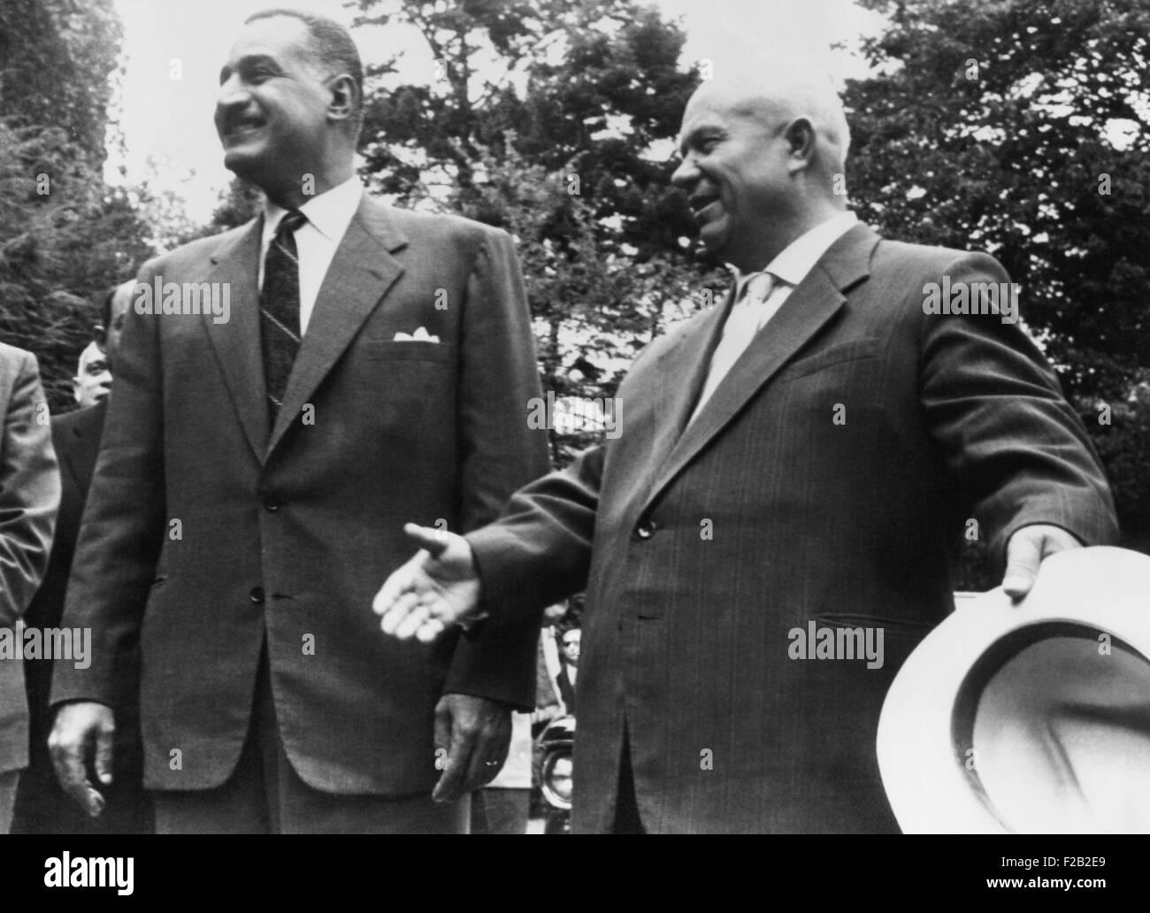Premier soviético Nikita Khrushchev y el presidente egipcio Gamal Abdel Nasser, el 24 de septiembre, 1960. Imagen De Stock