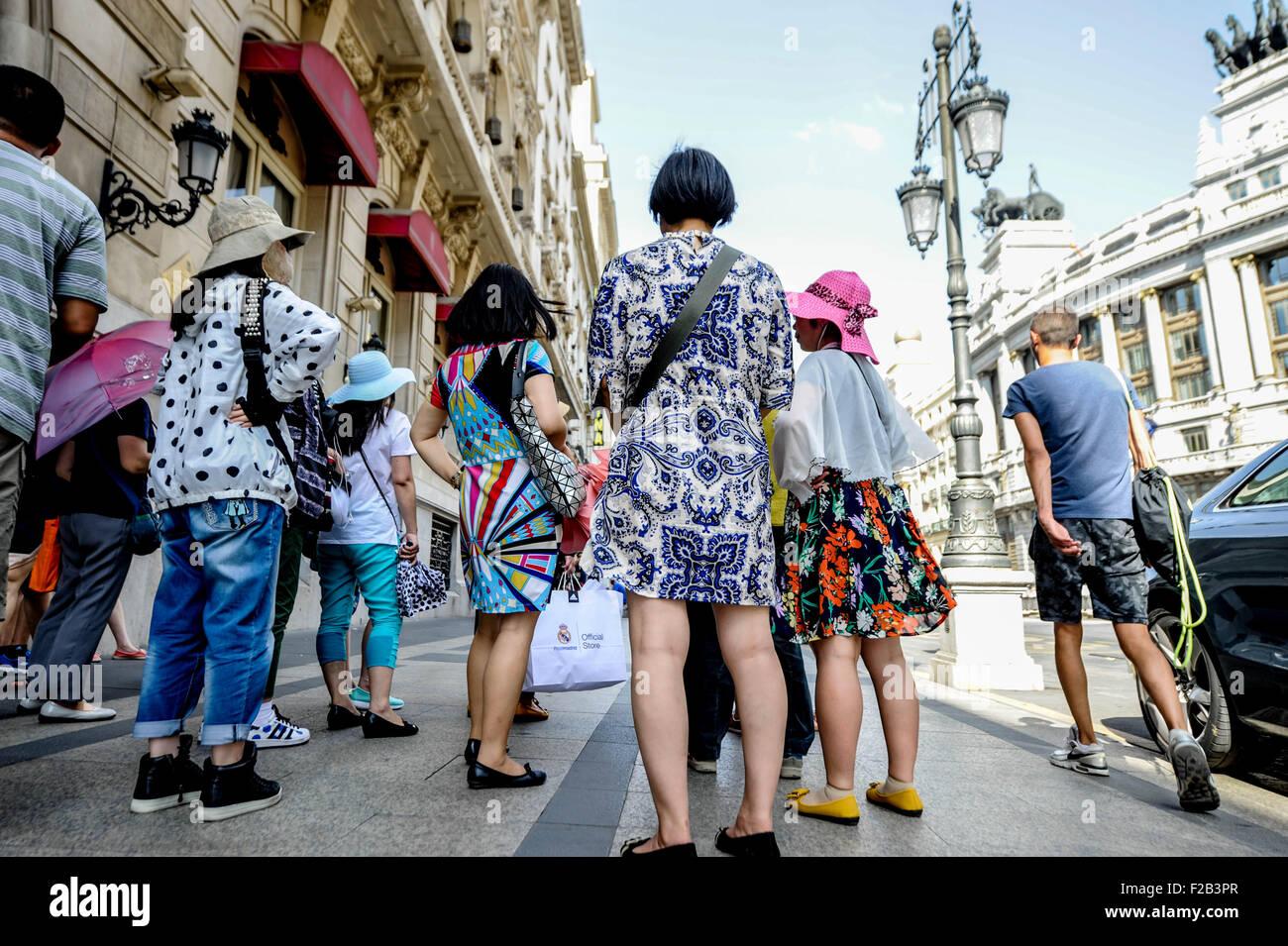 Los turistas en Madrid- Turistas en Madrid Imagen De Stock