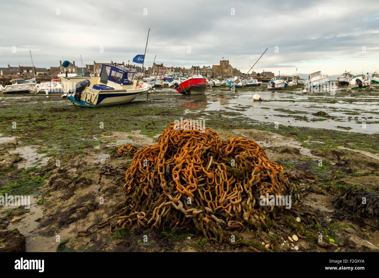 Marea baja en Barfleur, Francia Foto de stock