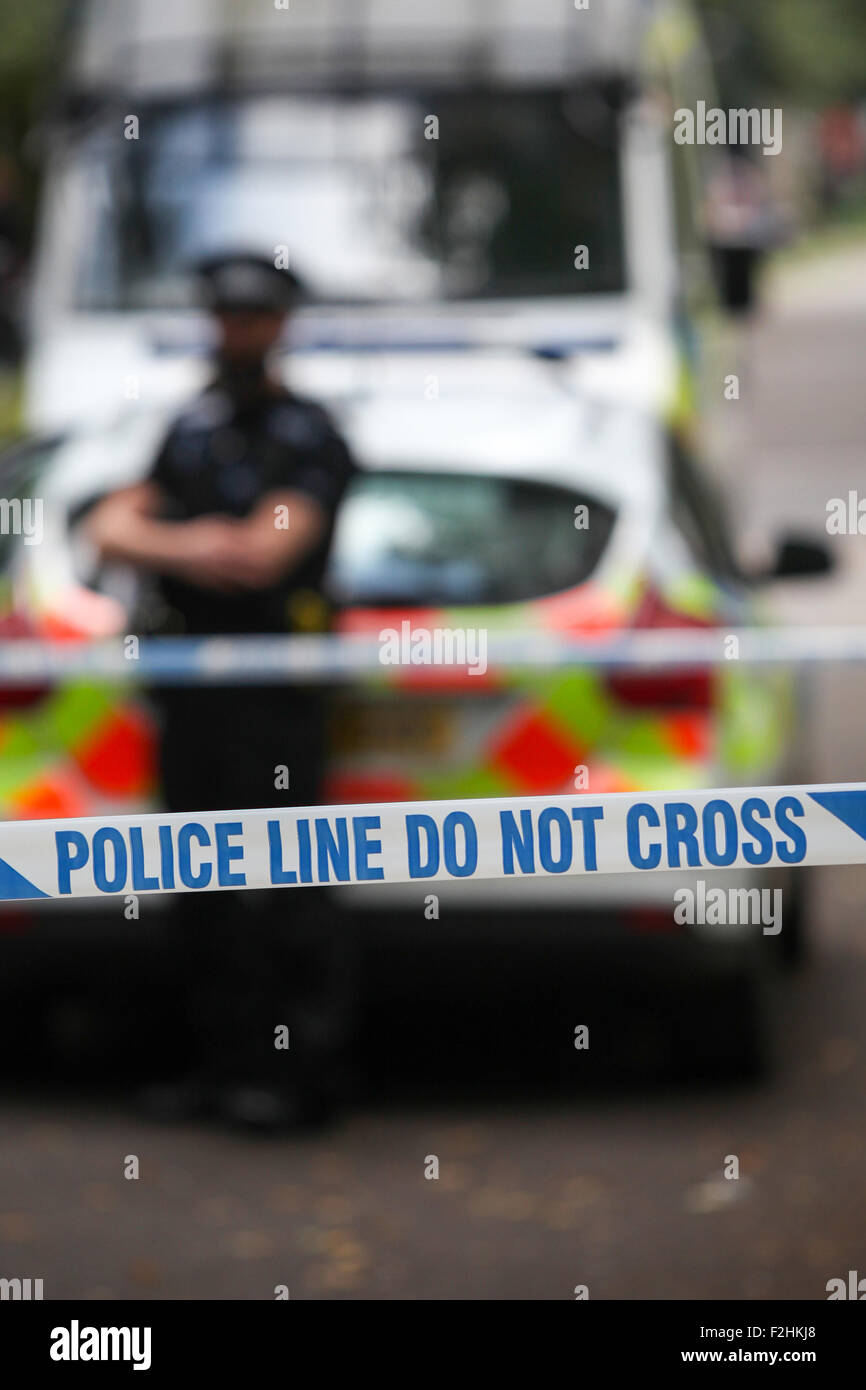 La cinta de la escena del crimen la policía UK Imagen De Stock