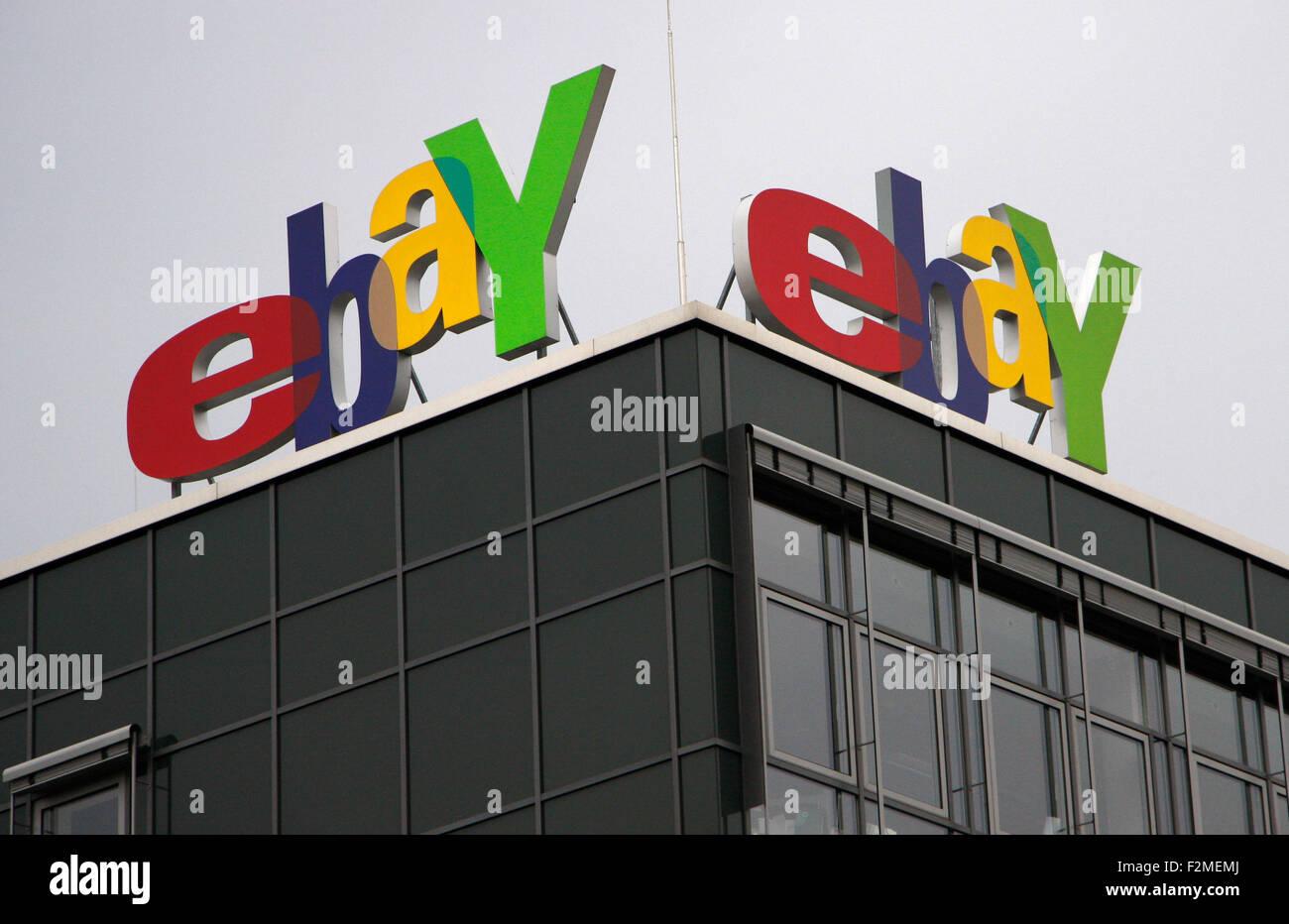 Ebay-Logo an der Deutschlandzentrale der Firma 'Ebay', Kleinmchnow/ 'Ebay' hedqurters logo al alemán Imagen De Stock