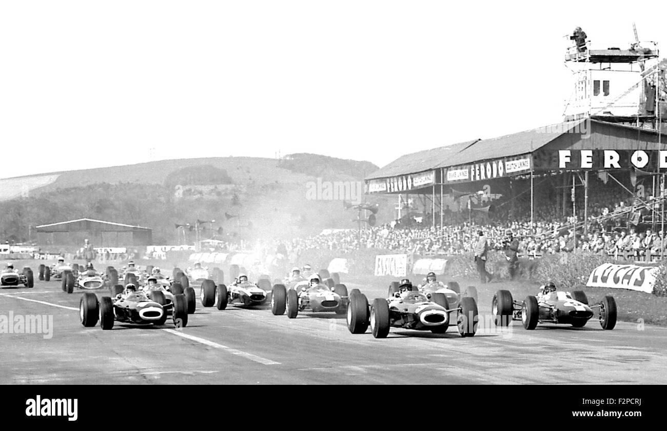 BRMs conducen al inicio de Goodwood 1965 Imagen De Stock
