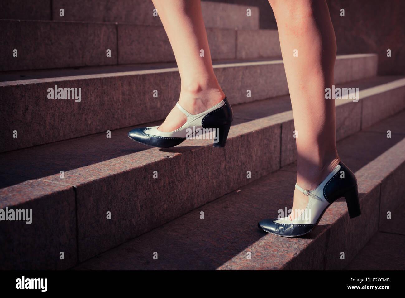 36f211153 Falda De Escaleras Para Caminar Imágenes De Stock & Falda De ...