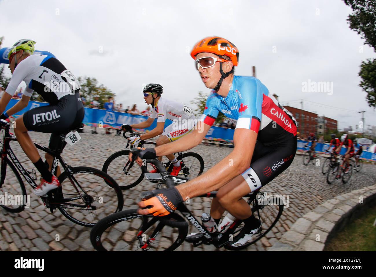 RICHMOND, Virginia, el 25 de septiembre del 2015. Nigel Ellsay canadiense razas arriba Libby Hill durante los 162,2 kilómetros de carretera UCI Campeonatos del mundo los hombres menores de 23 Road Race. Crédito: Ironstring/Alamy Live News Foto de stock