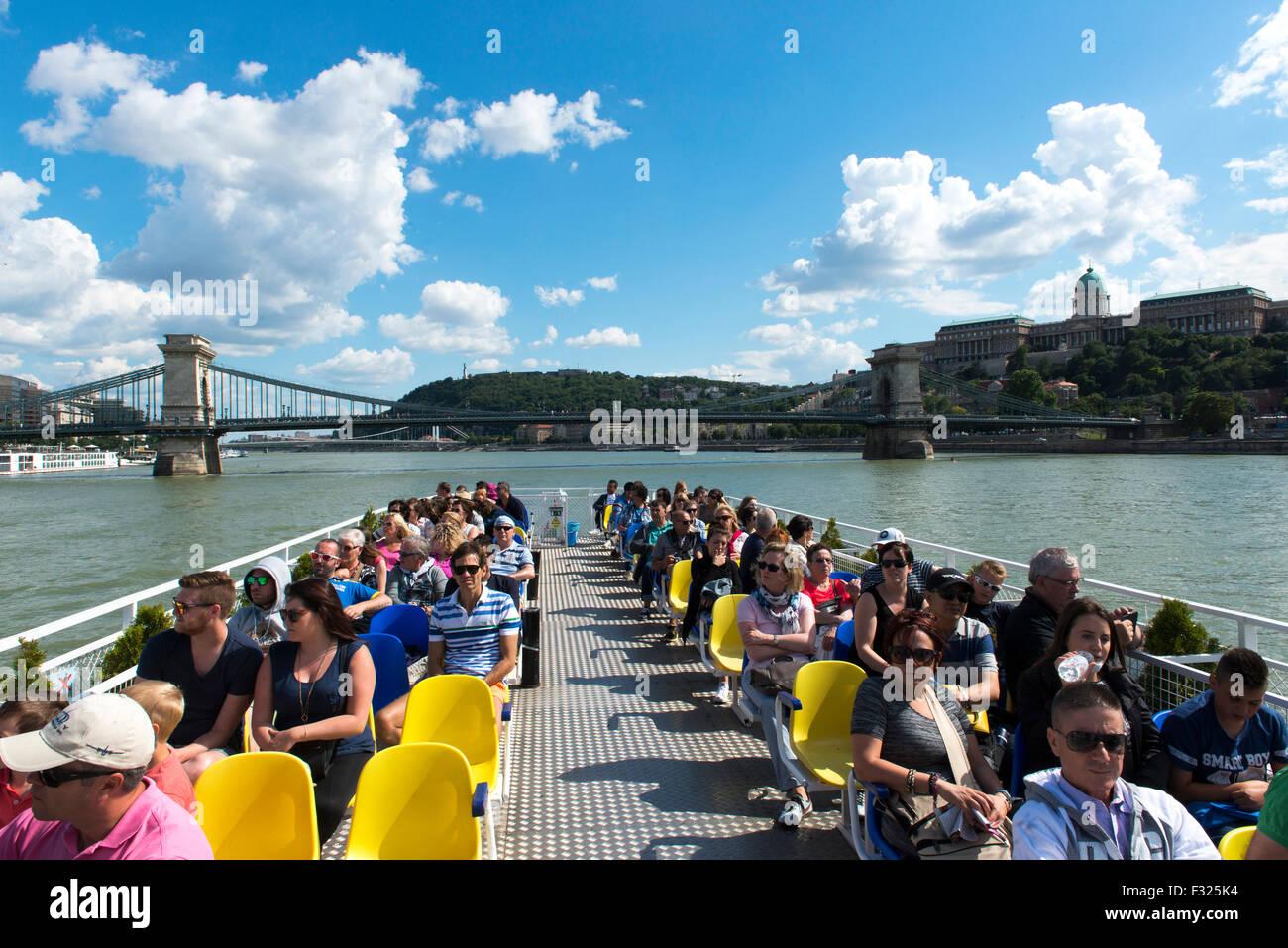 Viaje en barco por el Danubio, Budapest, Hungría Imagen De Stock