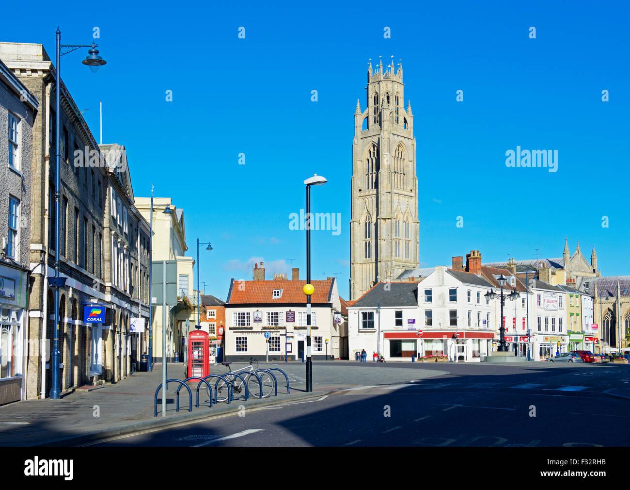 La iglesia de St Botolph y el market square en Boston, Lincolnshire, Inglaterra Imagen De Stock
