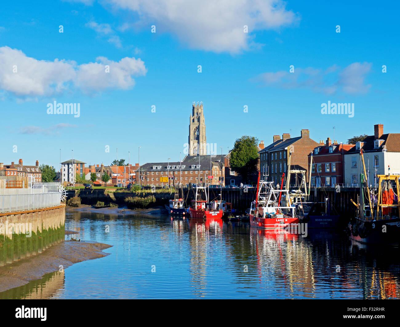Río Witham y barcos, en Boston, Lincolnshire, Inglaterra Imagen De Stock