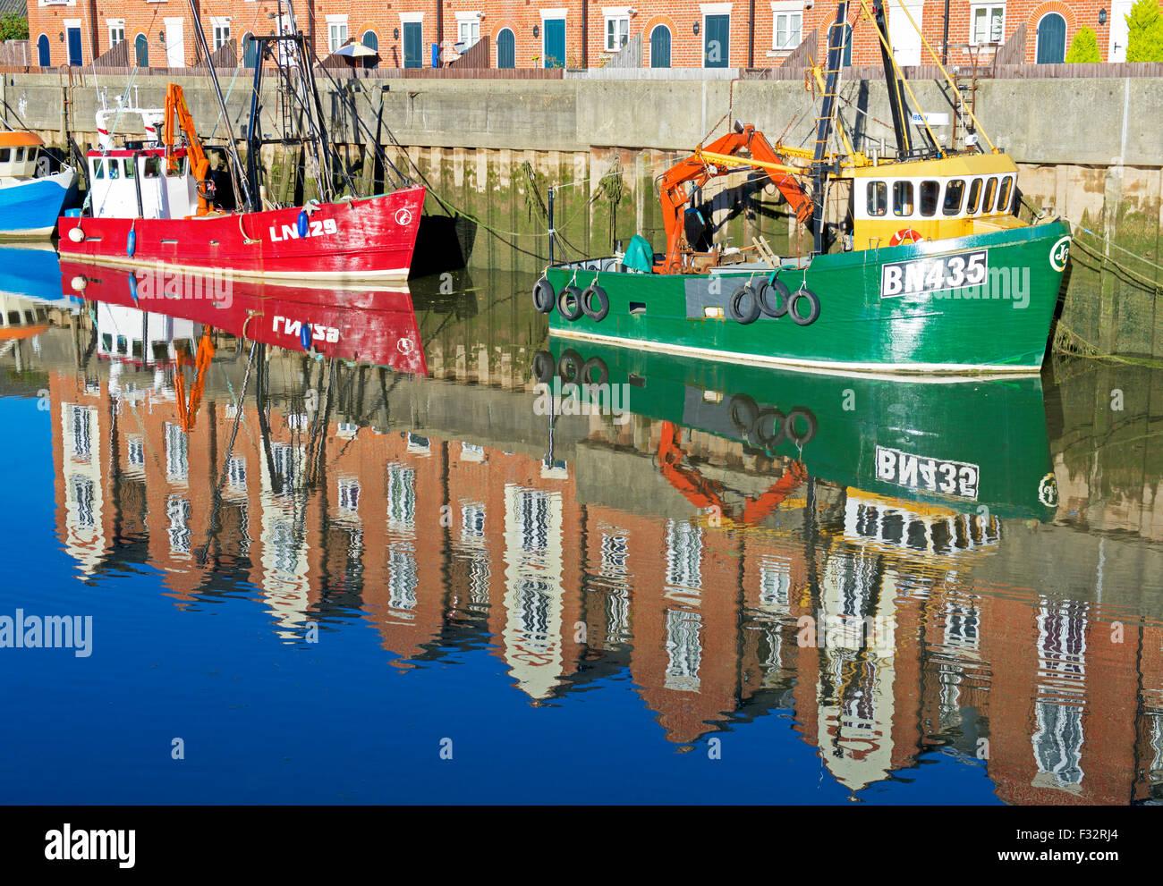 Barcos pesqueros amarrados en el río Witham, Boston, Lincolnshire, Inglaterra Imagen De Stock