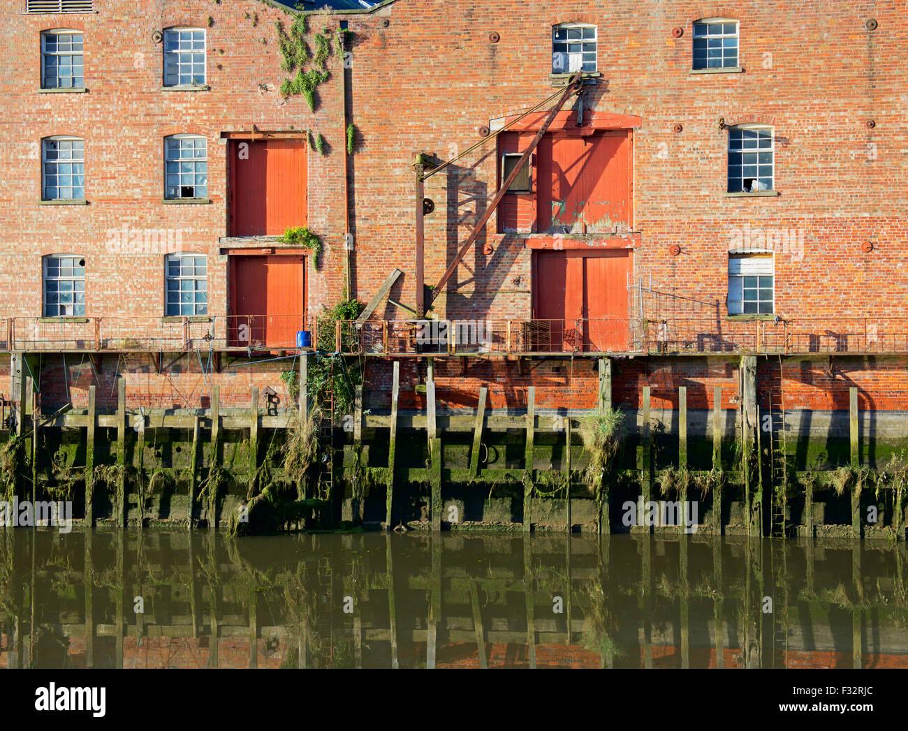 El muelle sobre el río Witham, Boston, Lincolnshire, Inglaterra Imagen De Stock