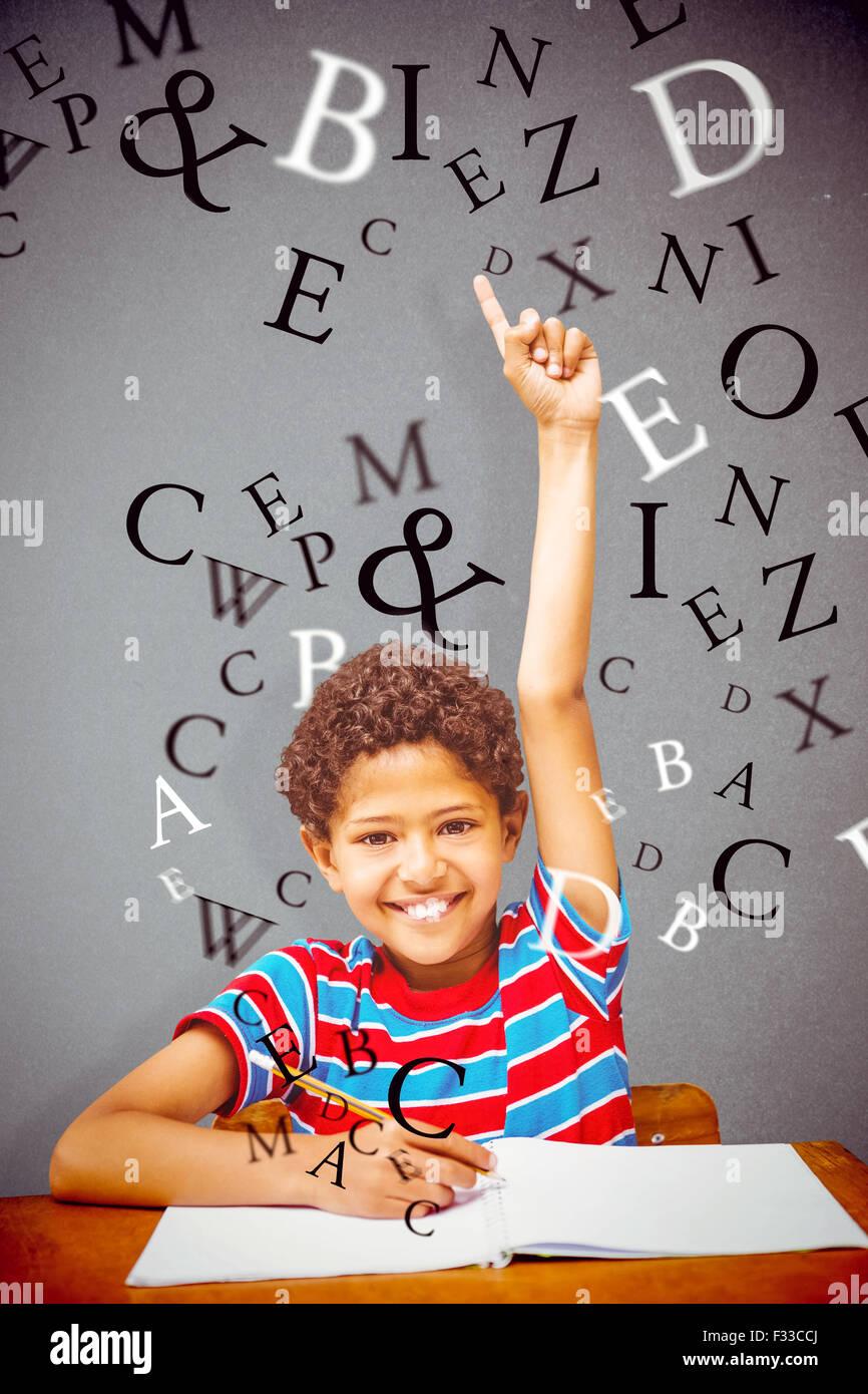Imagen compuesta de cute little boy levantando la mano Imagen De Stock