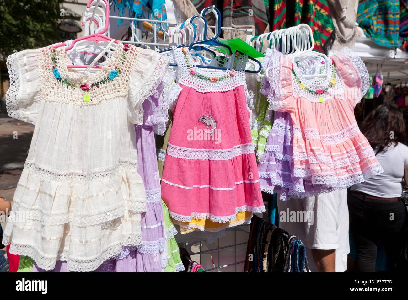 Summer Dresses Imágenes De Stock & Summer Dresses Fotos De Stock - Alamy