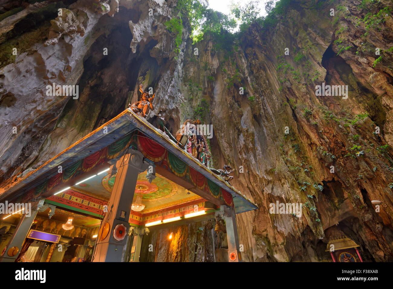 Templo hindú de las cuevas de Batu, cerca de Kuala Lumpur. Imagen De Stock