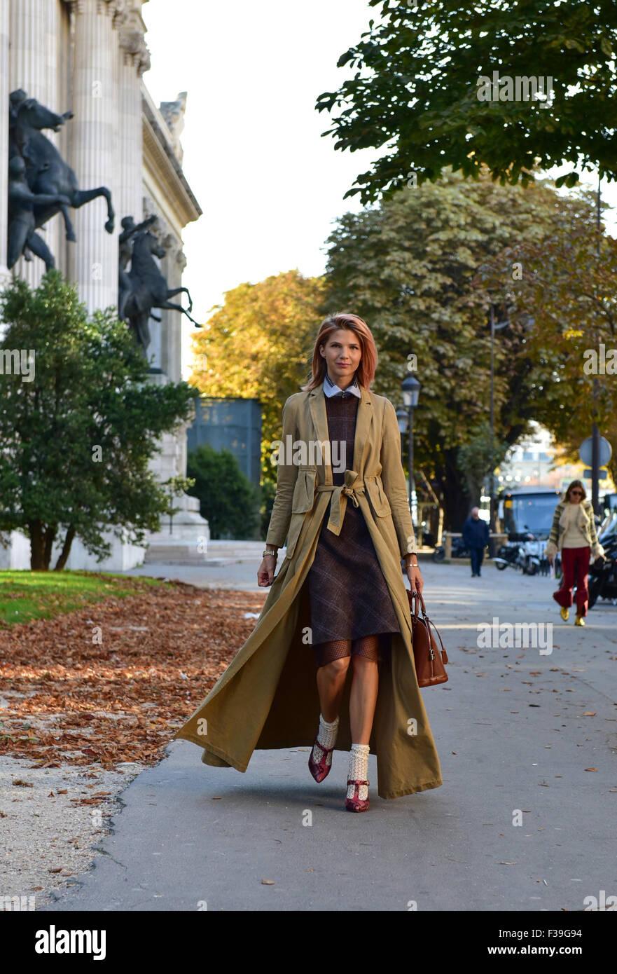 Blogger Samantha Angelo posando fuera de la pista de aterrizaje de Chloe  espectáculo durante la Semana ef88220c7a
