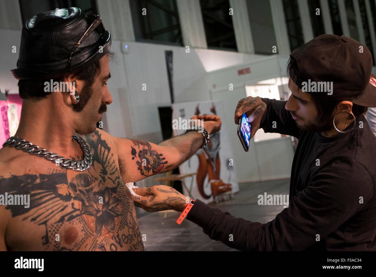 Barcelona, España. 2 de octubre de 2015. XVIII expo tatuaje Internacional en Barcelona, España. 02Th de octubre Foto de stock