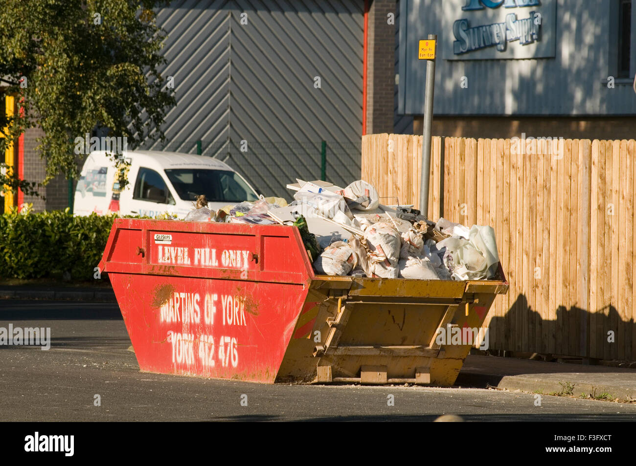 Salta Salta coches vertederos impuestos impuestos ambientales Directiva relleno escombros basura basura Imagen De Stock