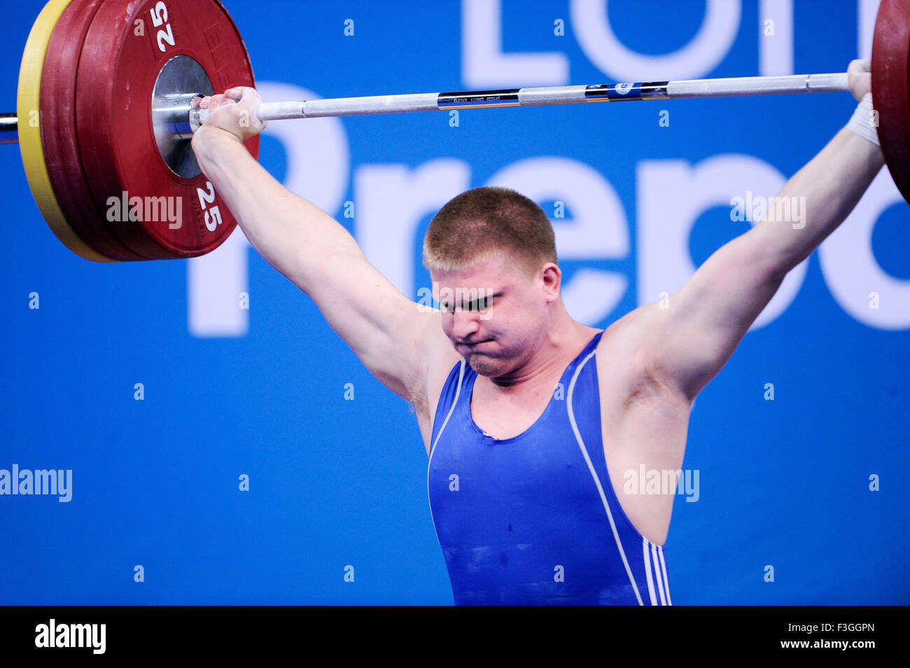 KAPLIN Dmityiy (KAZ) en el arrebatamiento, el Londres prepara un Evento de Prueba Olímpica de Halterofilia, Imagen De Stock