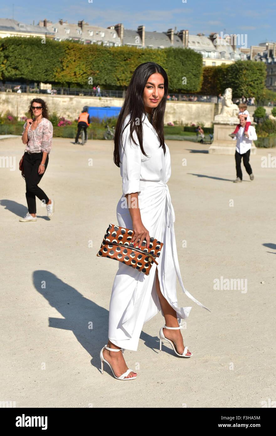 El estilista y blogger Nausheen Shah posando fuera de la pasarela Elie Saab  show durante la 86f671181a
