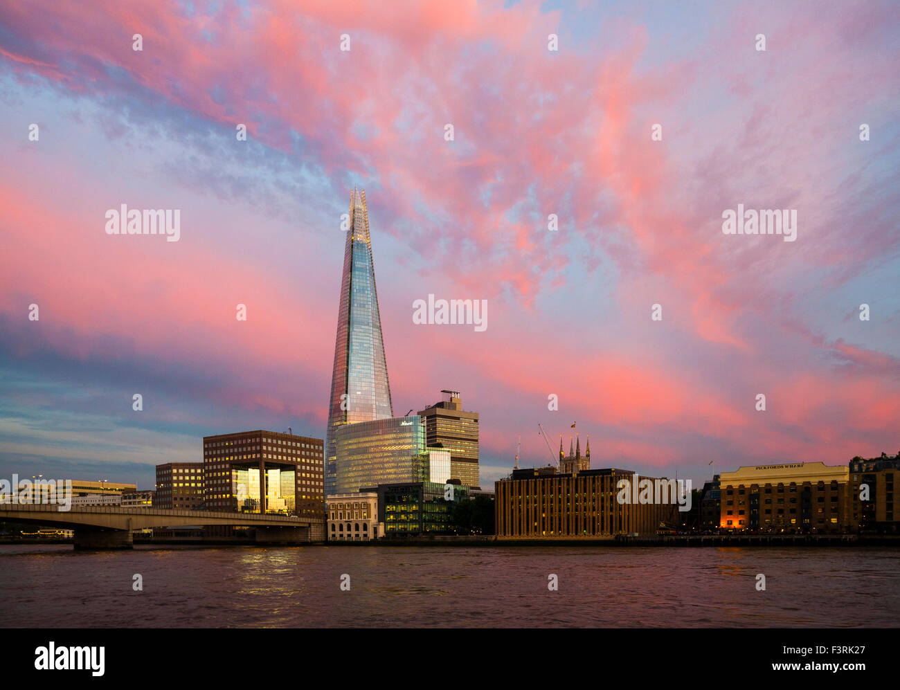 El Shard, Southwark, Londres, Reino Unido. Imagen De Stock