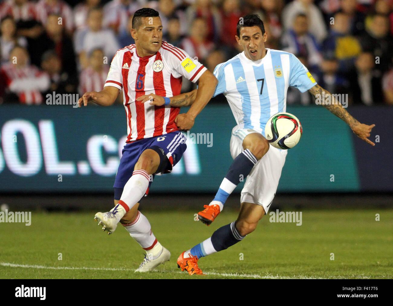 a34183916 Angel Di Maria(R) de Argentina compite con Samudio de Paraguay durante su  Ronda 1 Grupo 1 partido de Copa Mundial 2018 Eliminatorias Sudamericanas en  el ...