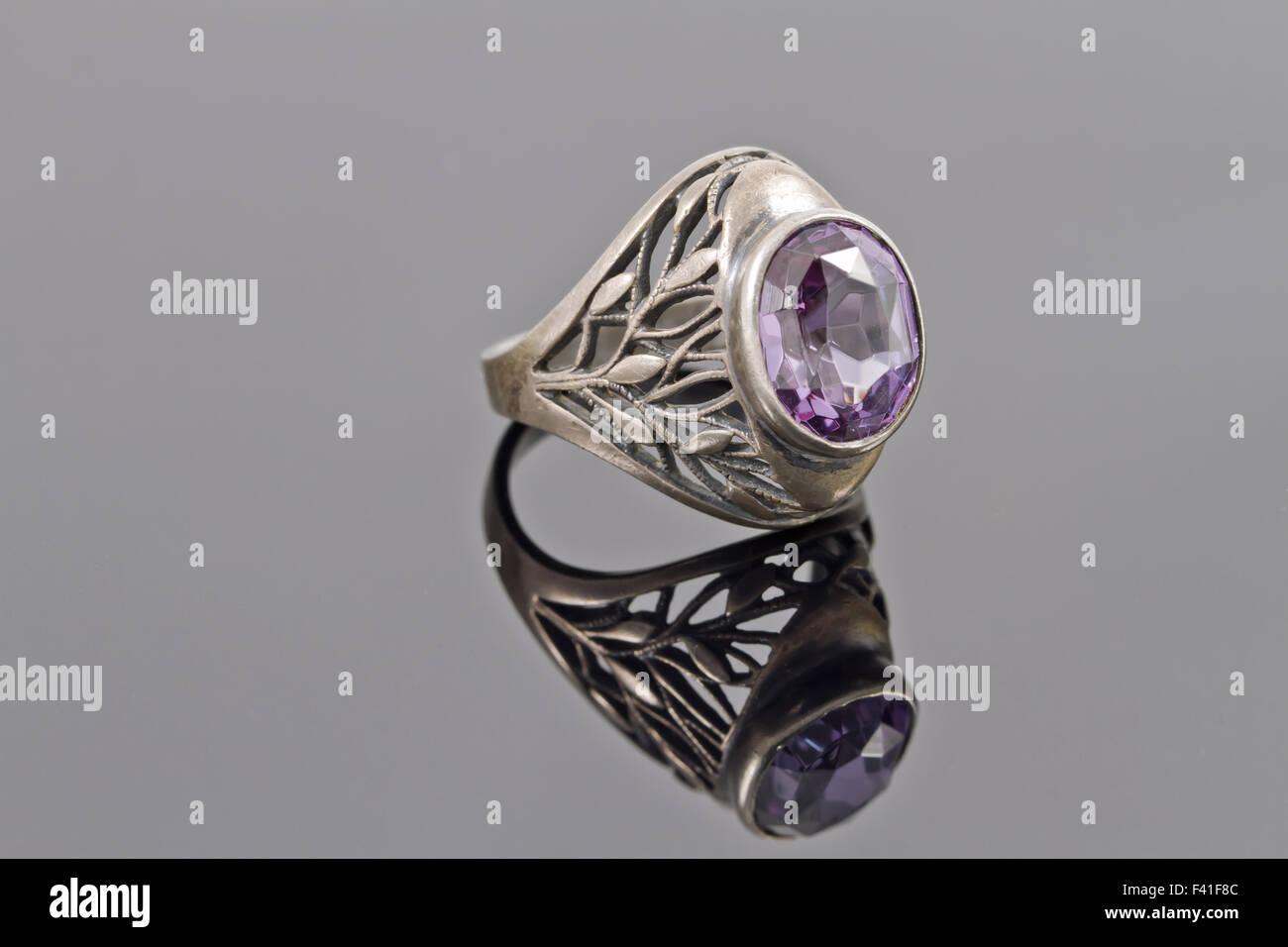 dc8c4d42e782 Anillo de plata vieja Foto   Imagen De Stock  88544412 - Alamy