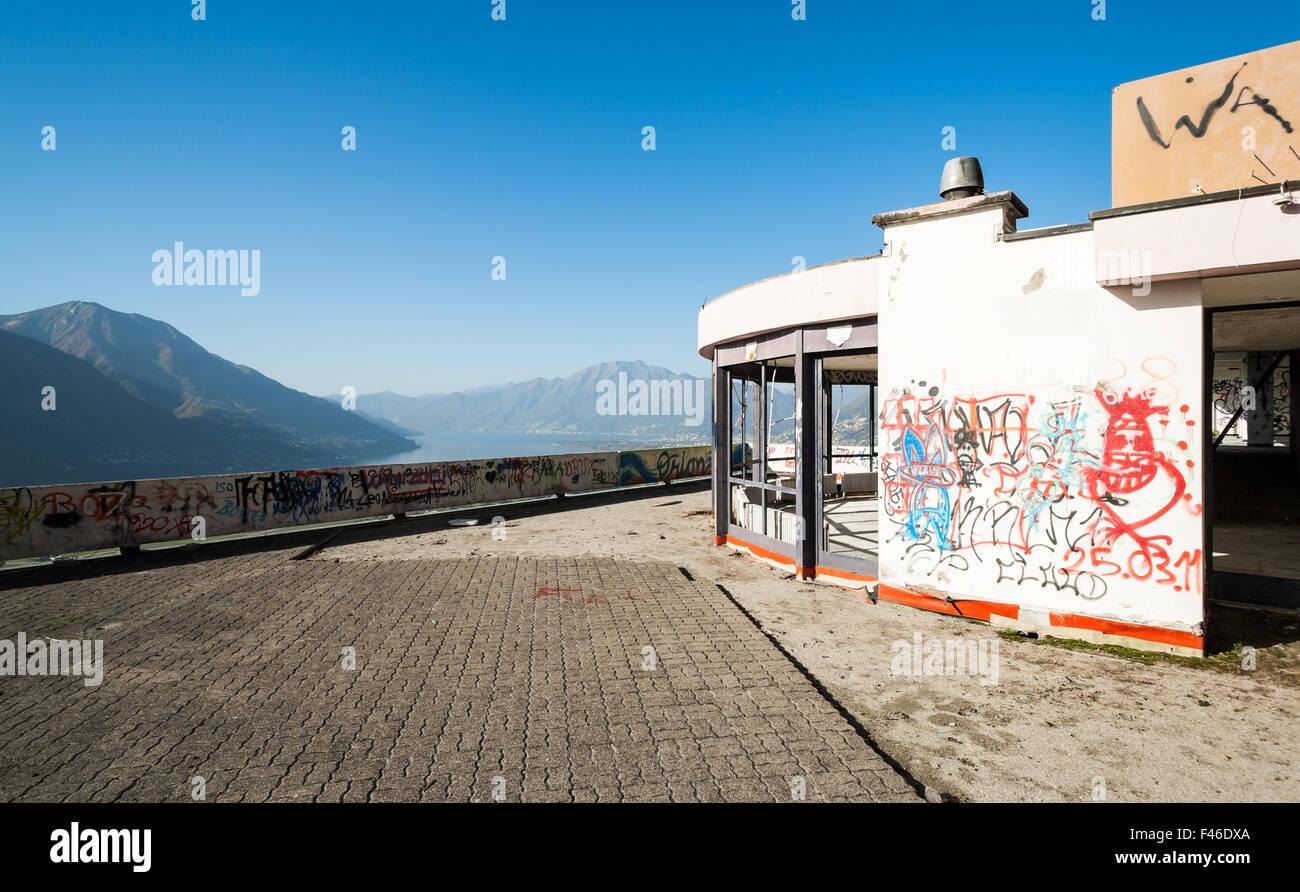 Antiguo Edificio Destruido Gran Terraza Piscina Foto