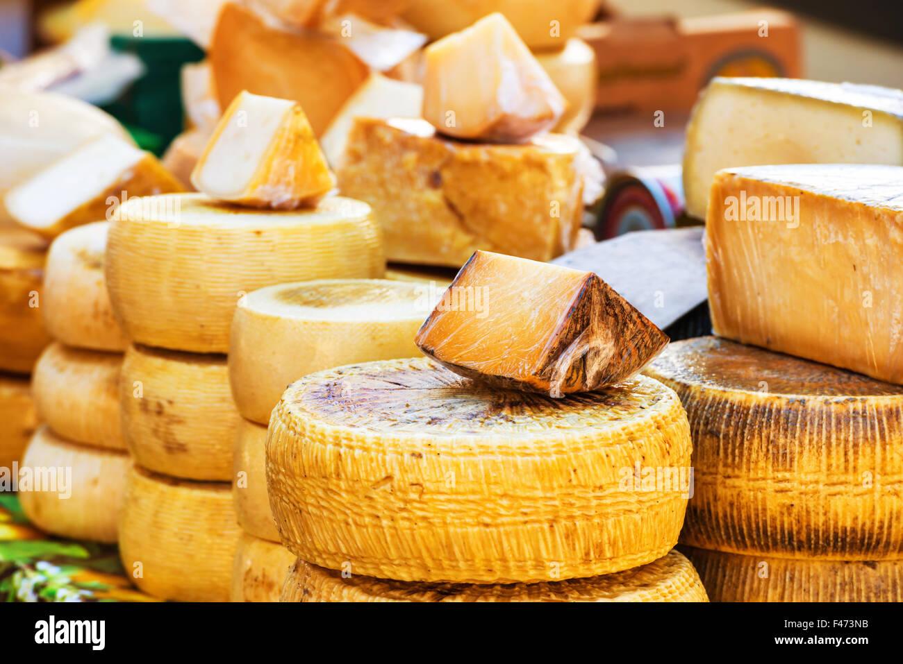 Diferentes tipos de queso italiano Imagen De Stock