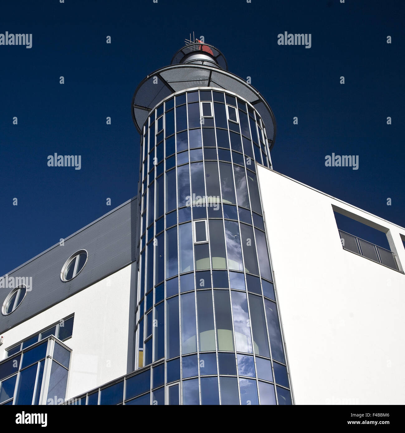 La arquitectura moderna, Dortmund, Alemania. Imagen De Stock