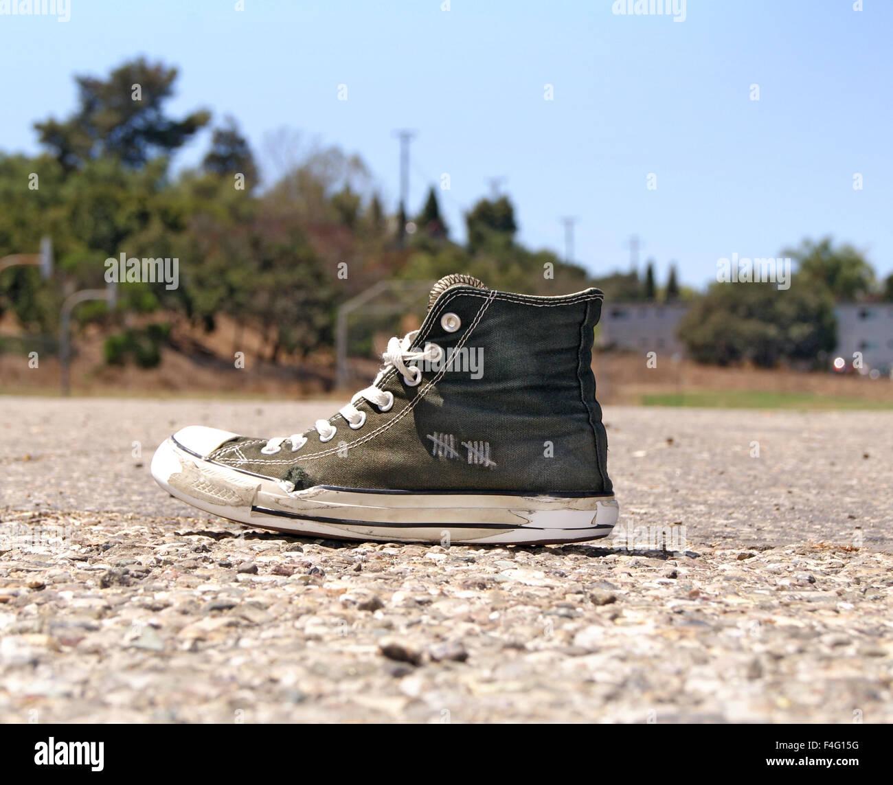 Zapato Converse Imágenes De Stock & Zapato Converse Fotos De