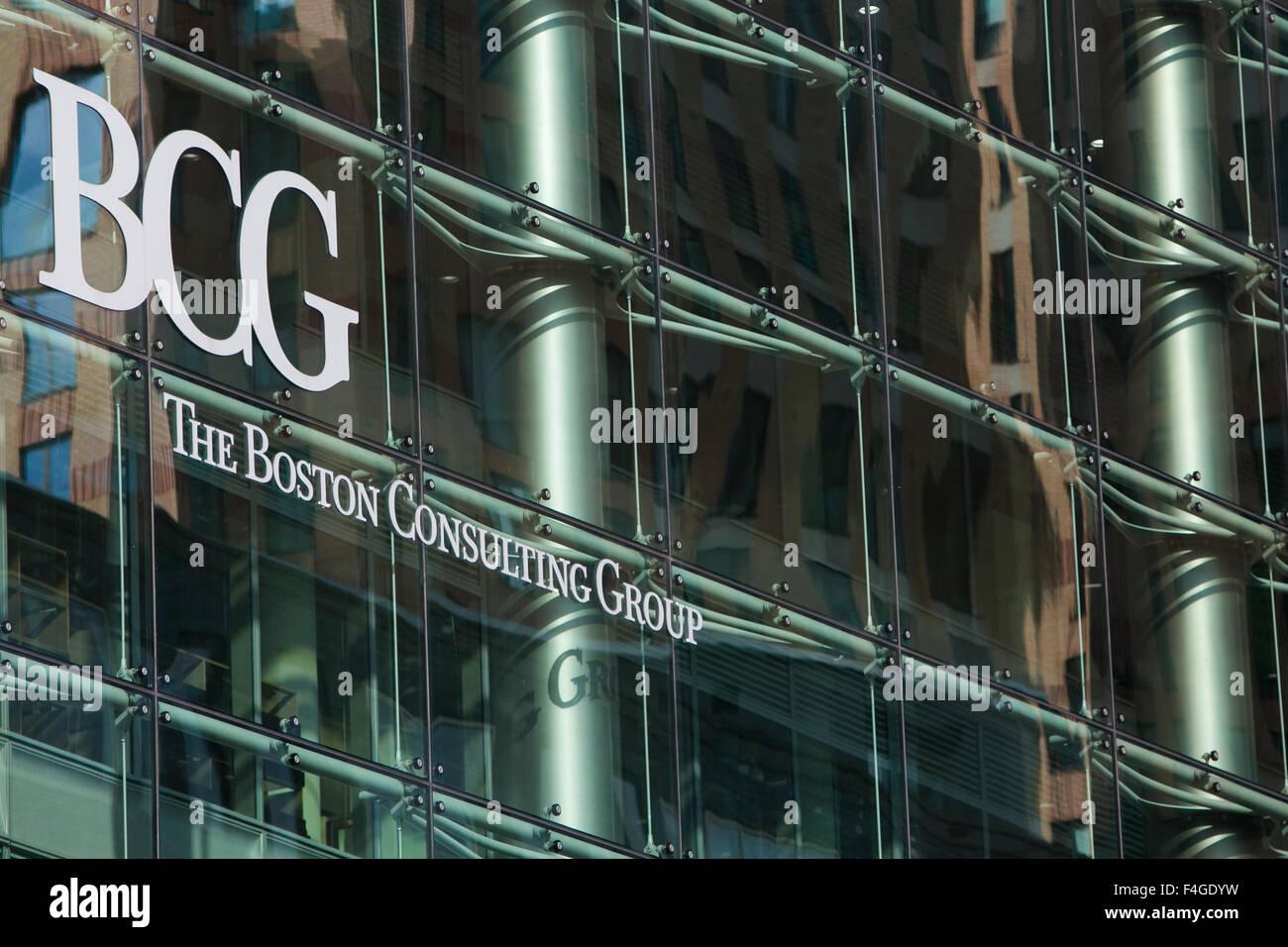 Un logotipo signo exterior de un edificio de oficinas ocupadas por el Boston Consulting Group en Amsterdam, Holanda, Imagen De Stock