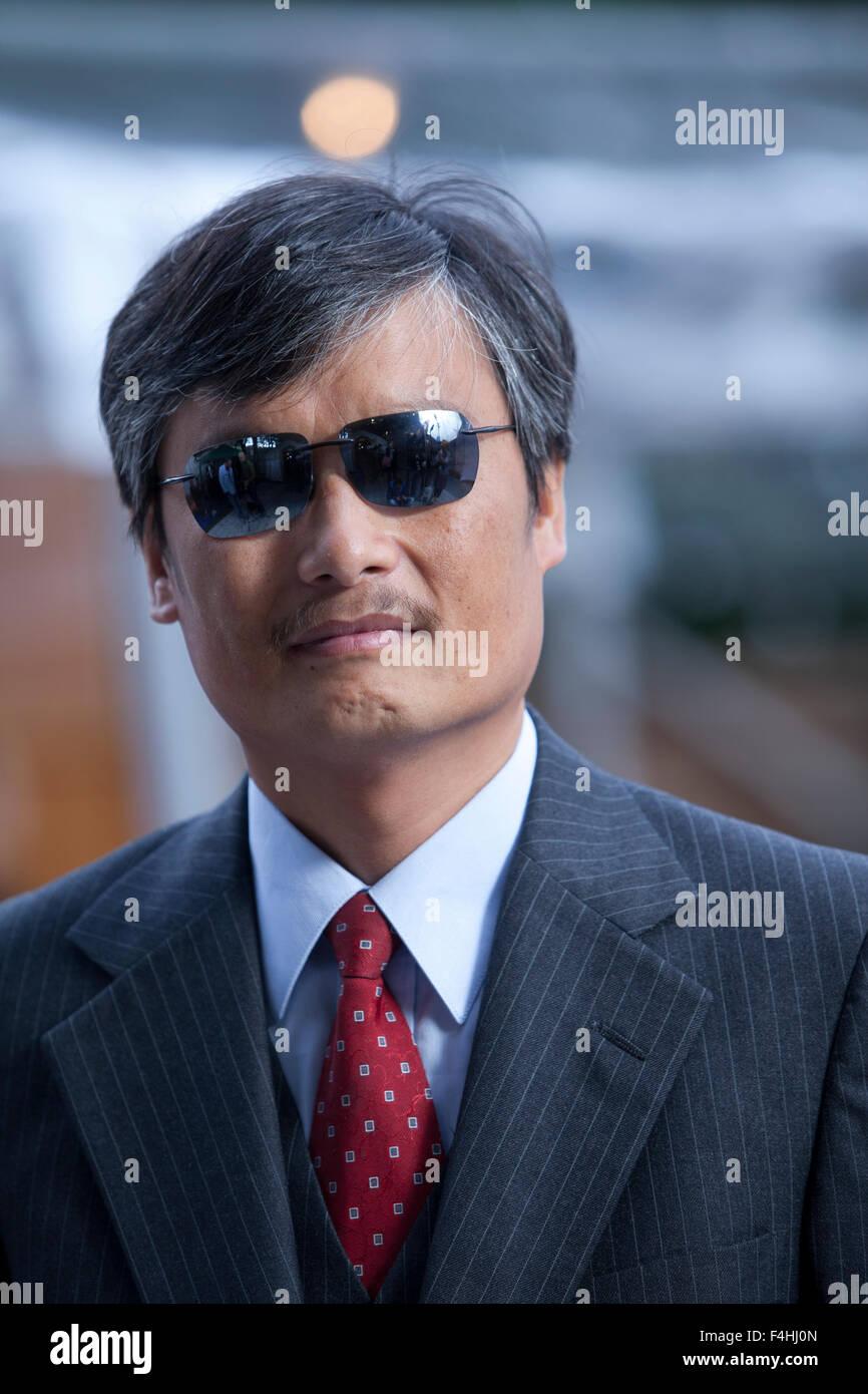 Chen Guangcheng, los chinos, activista de los derechos civiles, en el Festival Internacional del Libro de Edimburgo Foto de stock