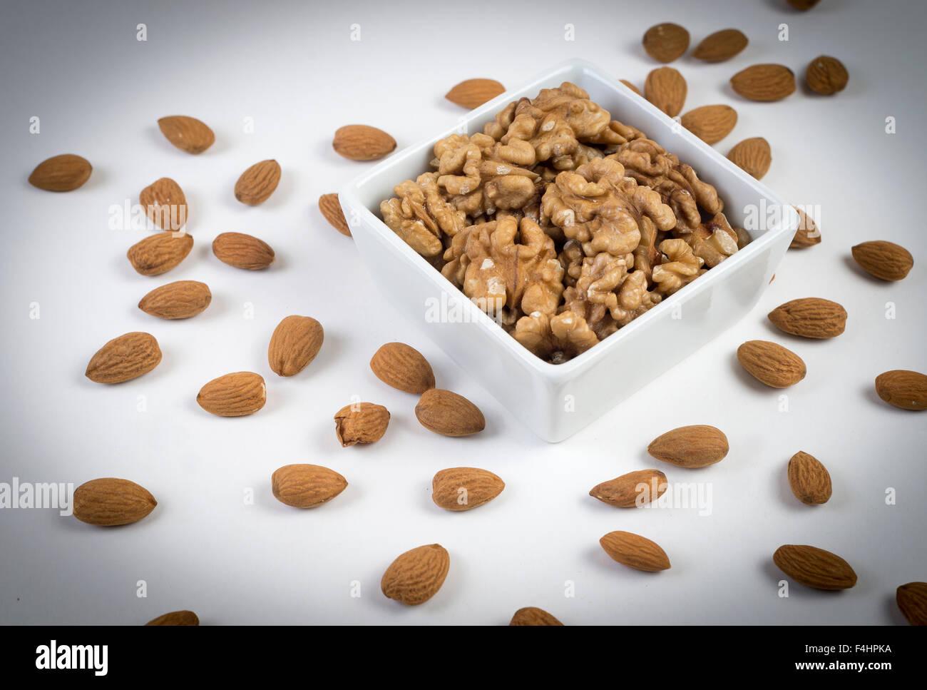 Tuercas. frutos secos, buena salud y alimentacion. Buena comida Imagen De Stock