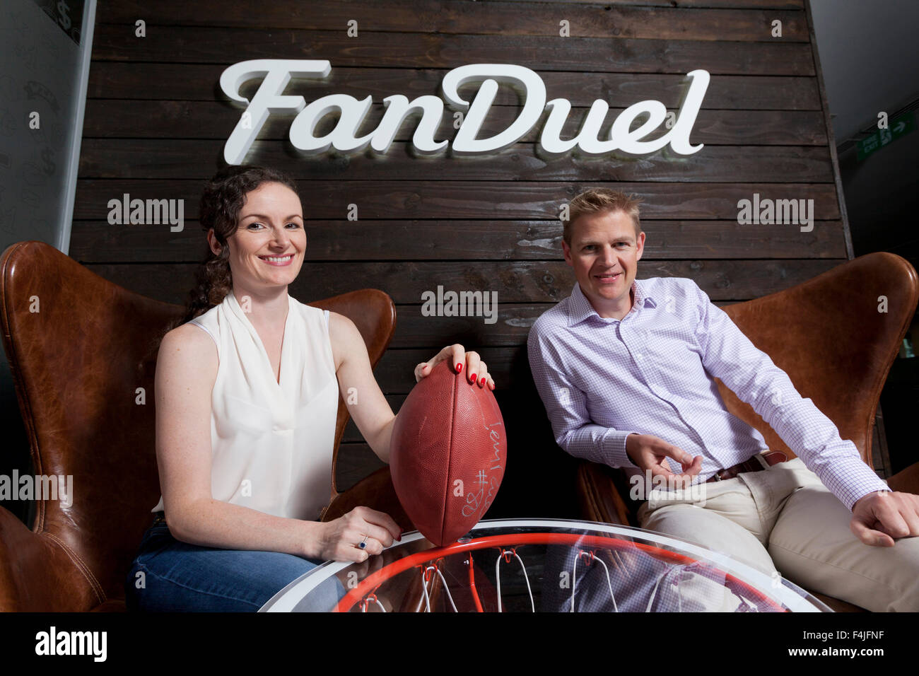 Nigel (derecha) y Lesley Eccles. Los co-fundadores de Online plataforma de deportes de fantasía, FanDuel. Edimburgo, Imagen De Stock