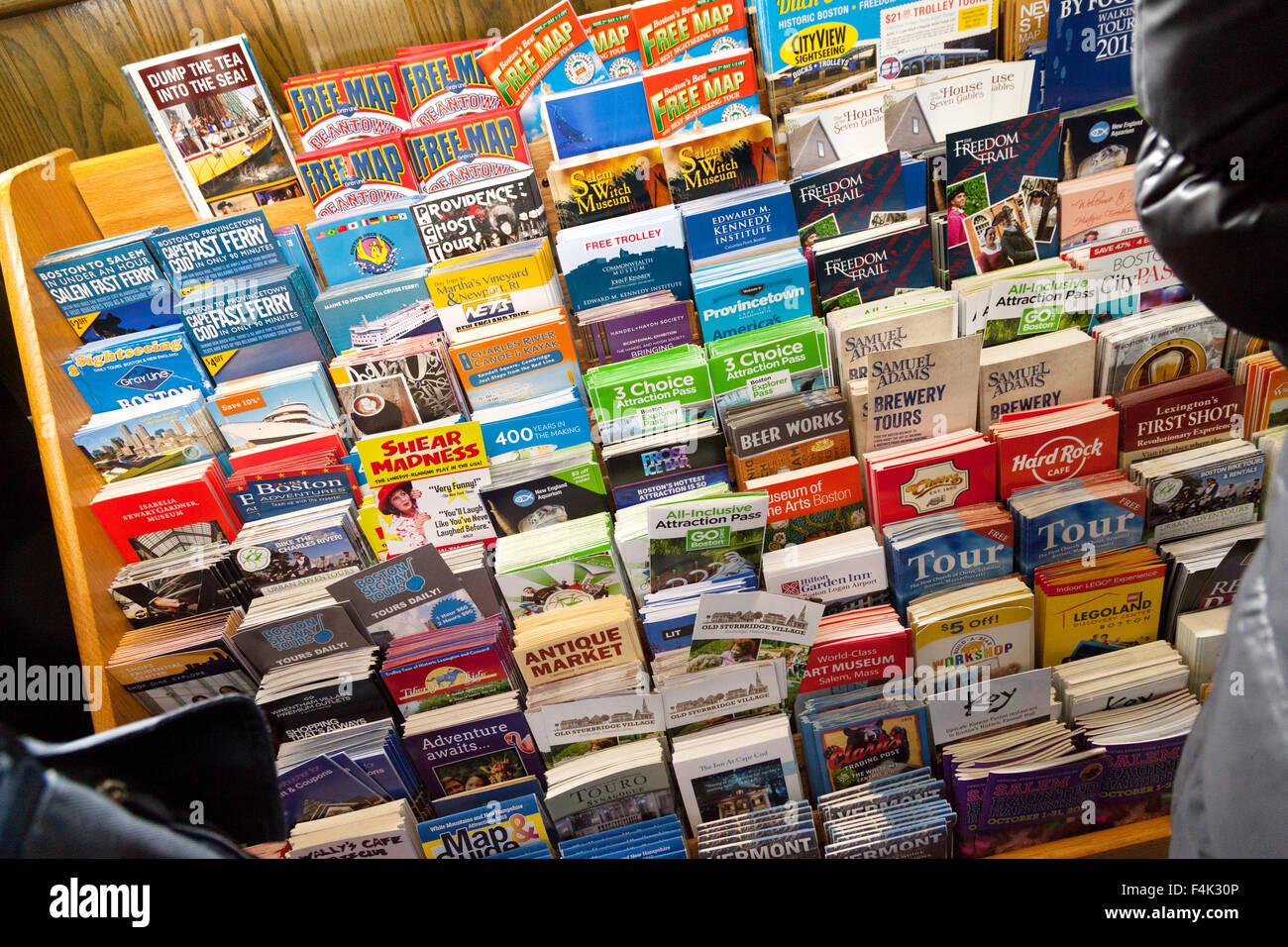 Turismo coloridos folletos para atracciones turísticas, Centro de Información Turística de Boston, Imagen De Stock