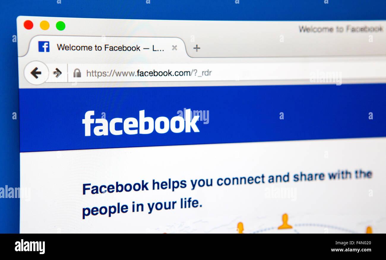 Londres, Reino Unido - El 20 de junio de 2015: La página de inicio del sitio web oficial de Facebook, el 20 Imagen De Stock