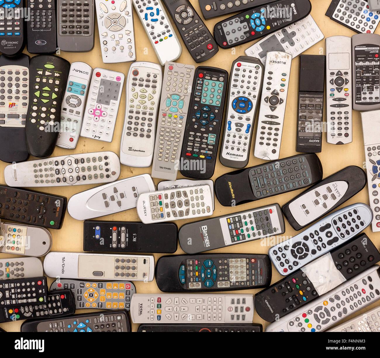 Los controles remotos, los residuos electrónicos Imagen De Stock