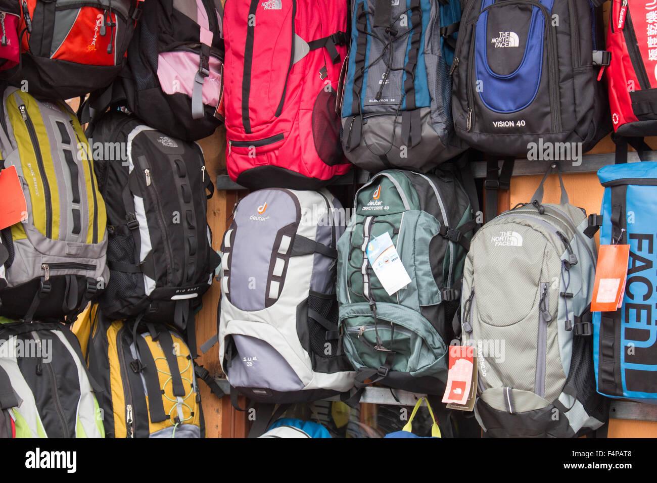donde comprar ropa north face en vietnam
