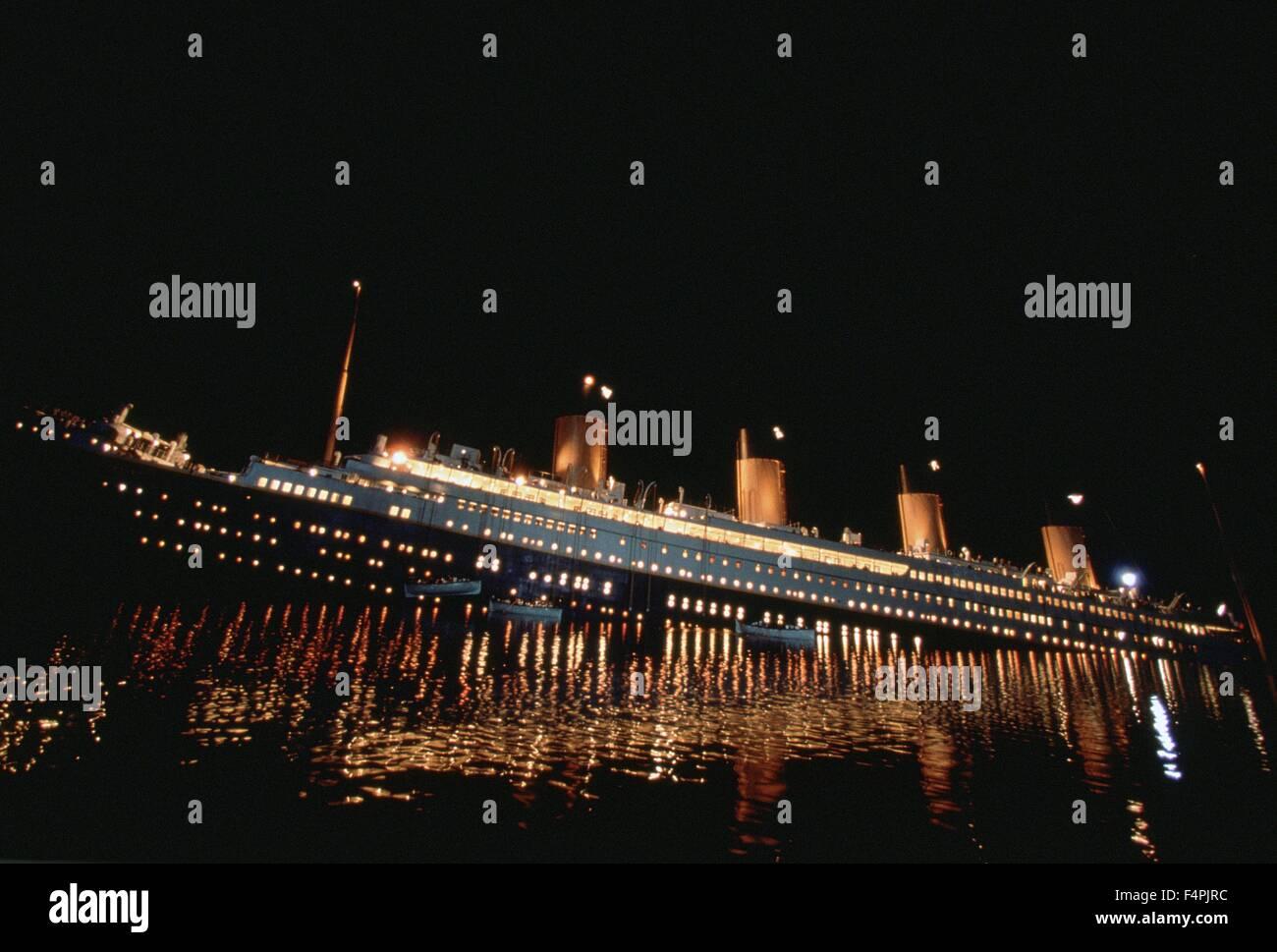 Titanic / 1997 dirigida por James Cameron [Imágenes] Fox del siglo XX. Imagen De Stock