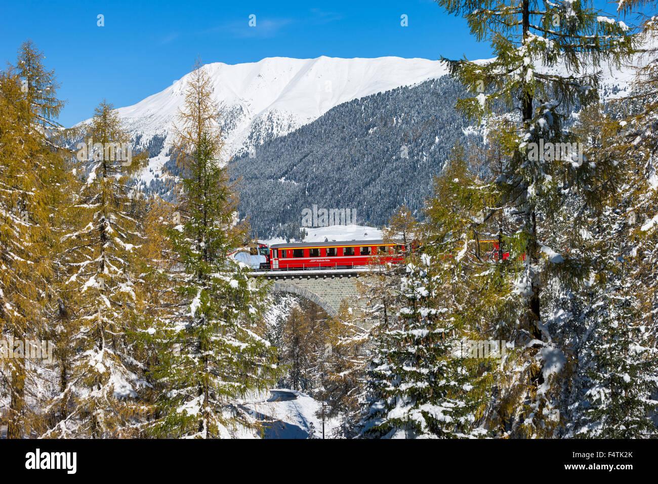 Ferrocarril Albula, Albula, ferrocarril, tren, Suiza, en el cantón de Grisones, Graubünden, UNESCO, patrimonio Imagen De Stock