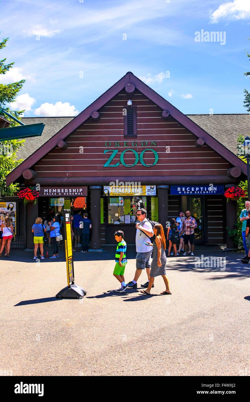 Entrada al Zoo de Portland en el Washington Park, Portland, Oregón Foto de stock