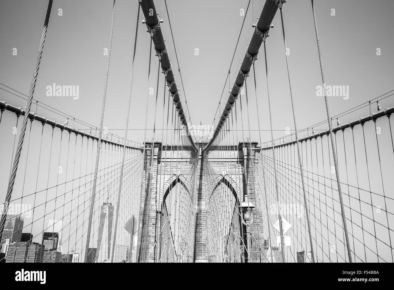 Fotografía en blanco y negro del Puente de Brooklyn, Nueva York, EE.UU.. Imagen De Stock